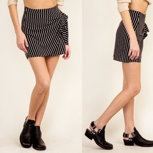 🆕Olivaceous Striped Wrap Mini Skirt